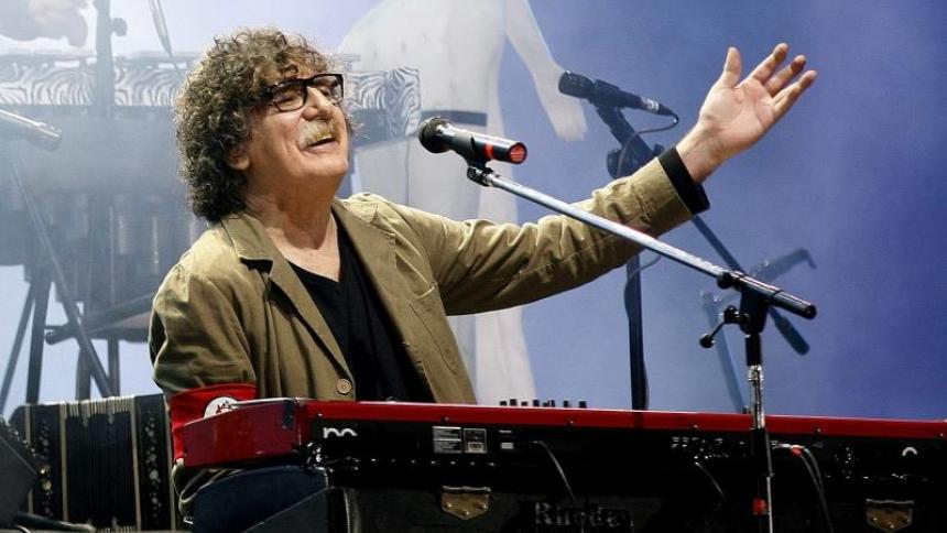 Setenta años de Charly García, un rockero que vive por y para la música