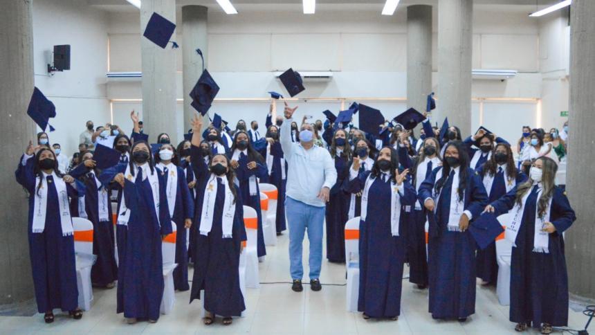 Uniguajira: volvieron los grados presenciales