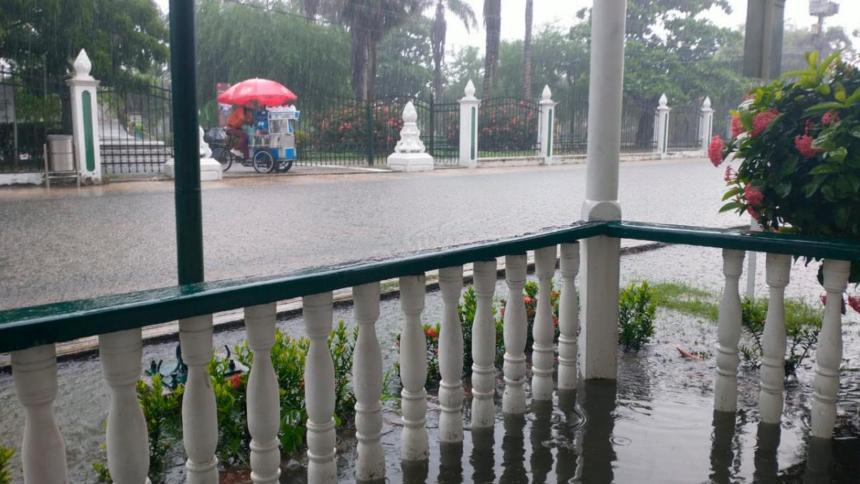 Reportan emergencia en Cartagena tras varias horas de lluvia