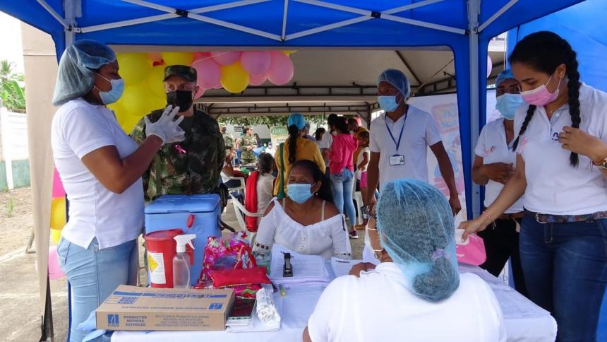 Llevan servicios de salud a zona rural de Valencia, Córdoba