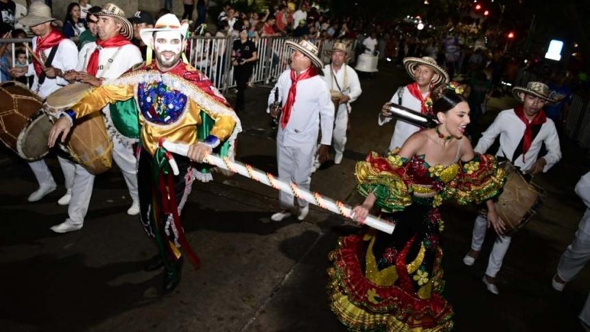 Estas son algunas de las mejores imágenes que deja el desfile del Garabato del Country