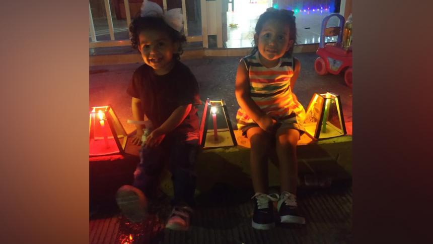 En imágenes   Así disfrutaron la Noche de Velitas los niños en Barranquilla