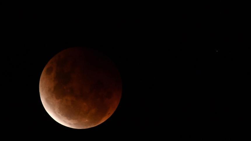 El eclipse lunar y la superluna visto desde varias ciudades de América