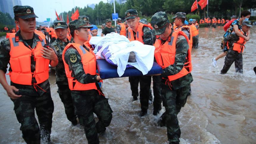 Inundaciones en China no dan tregua tras el paso del tifón In-fa