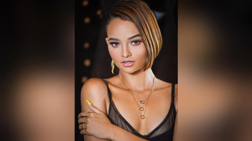 Sharon Castro, fuerza y seguridad en una modelo 'petit'