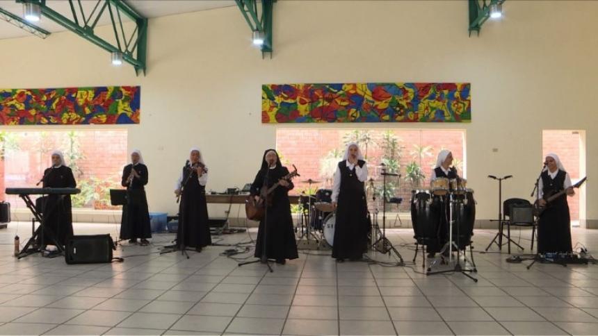 Conozca a las religiosas roqueras que harán bailar al Papa en Panamá