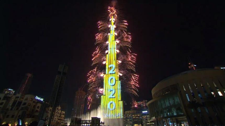 En video | El espectacular recibimiento del año nuevo en el Burj Khalifa de Dubái