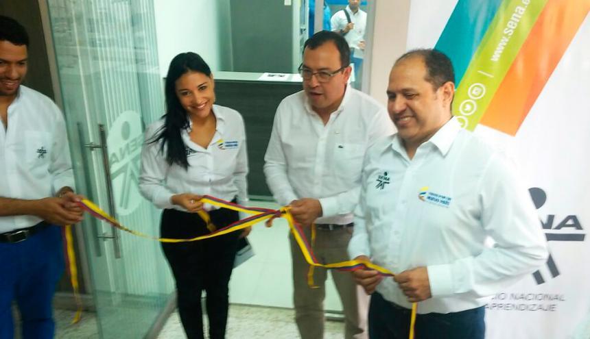 Jacqueline Rojas, directora regional del Sena, Alfonso Parada, director general y Álvaro Torrenegra, subdirector del Centro de Comercio y Servicios.