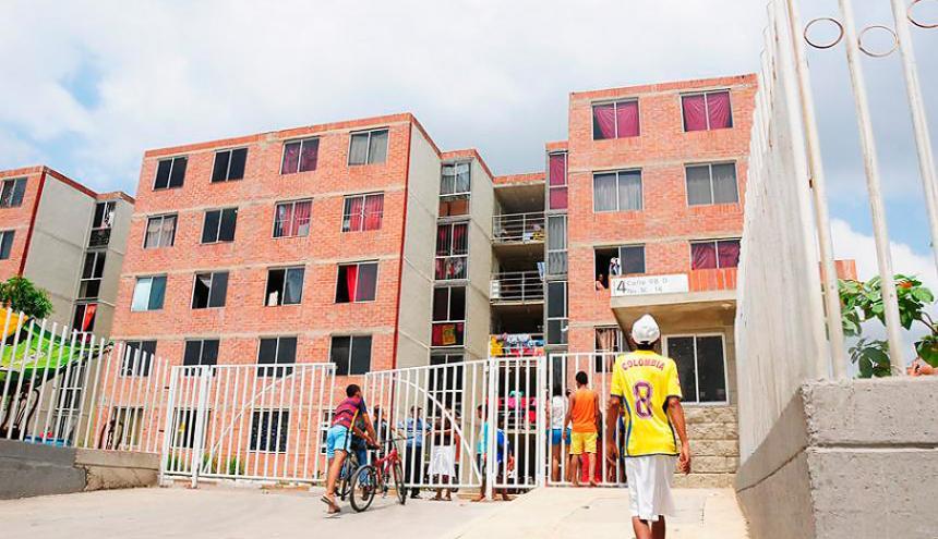 Conjunto de apartamentos en barrio de Barranquilla.