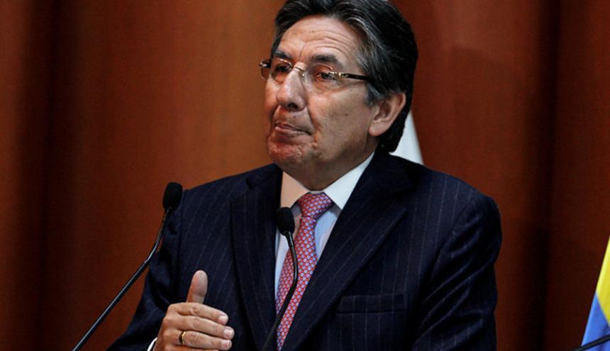Néstor H. Martínez