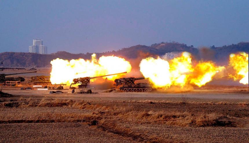 Los disparos masivos fueron realizados durante maniobras militares realizadas en en la ciudad portuaria de Wonsan.