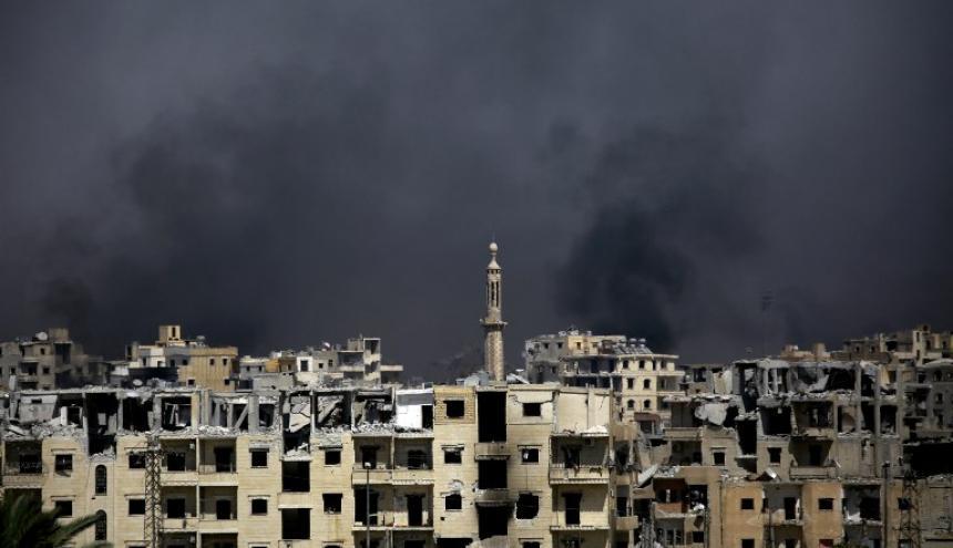 Edificios bombardeados por coalición en Raqa.