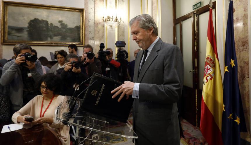 El ministro español de Educación, Cultura y Deportes y portavoz del Gobierno, Íñigo Méndez de Vigo, durante una rueda de prensa sobre la situación en Cataluña.
