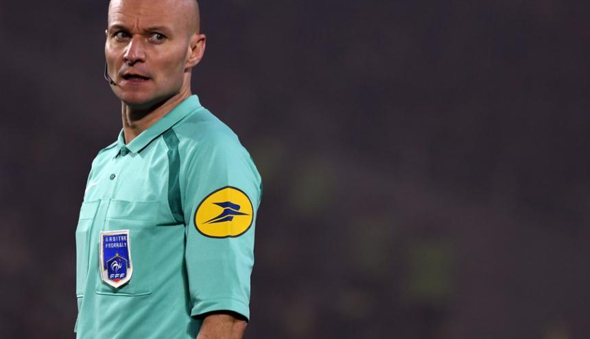 Tony Chapron, árbitro francés.