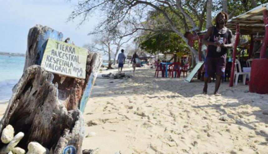 Autoridades prevén encontrar la solución a la conexión vial que tendría el pueblo de Barú con la ciudad de Cartagena.