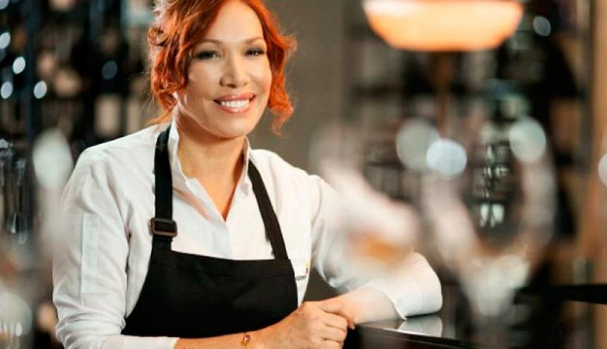 Leonor Espinosa es chef, economista y artista plástica.
