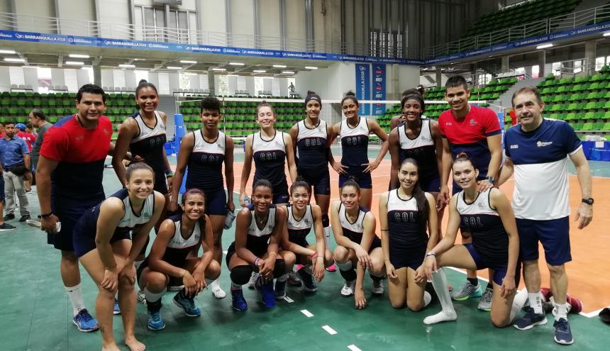 El equipo colombiano de voleibol femenino, del cual hacen parte 6 bolivarenses.