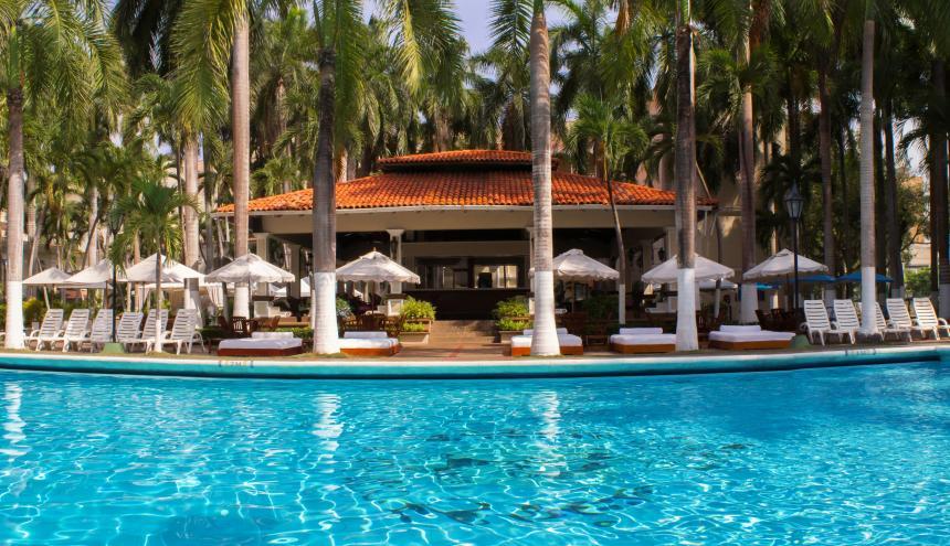 Piscina del hotel El Prado.