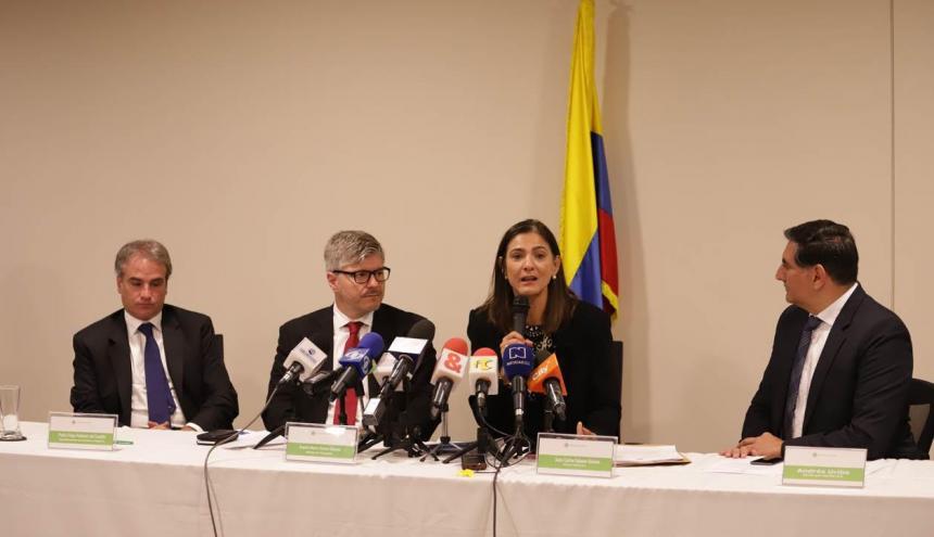 Pablo Robledo, Juan Carlos Salazar y Ángela Orozco.