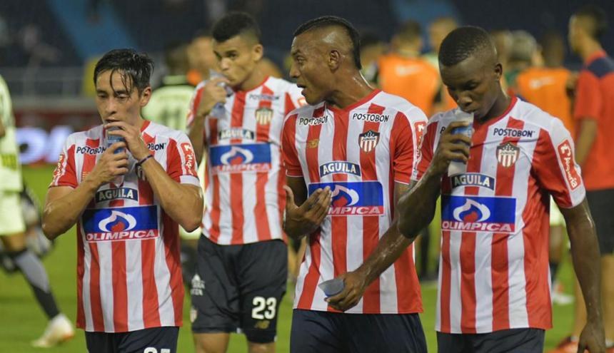 Fabián Sambueza, Luis Díaz, Willer Ditta y Daniel Moreno se retiran masticando la amargura de la eliminación.