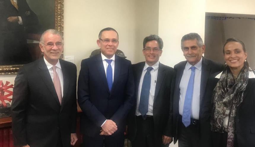 De izq. a der.: Eduardo Verano, Efraín Cepeda, Alberto Carrasquilla, Miguel Amín y Cecilia Arango.