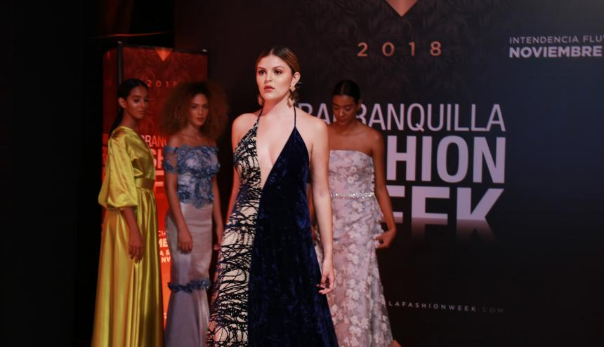 Las modelos de la agencia barranquillera Savants Models desfilaron al final del evento.