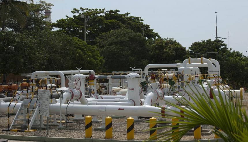 Tuberías y equipos que conforman la infraestructura de un gasoducto ubicado en la Costa Caribe.