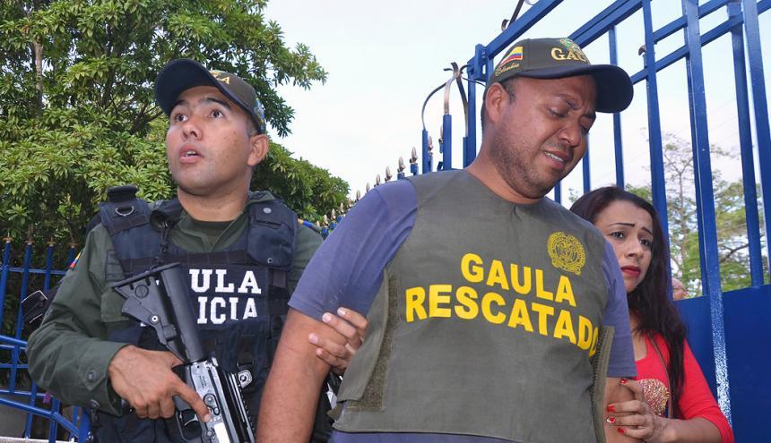 Yelenca Gutiérrez el día que liberaron a su esposo Haison José Fuenmayor Escobar, secuestrado en Tomarrazón.