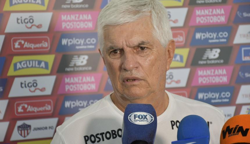 Julio Comesaña atendió ayer a los medios en la sede.