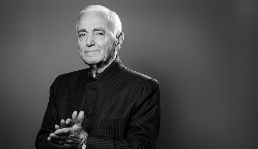 Aznavour nació en París el 22 de mayo de 1924.