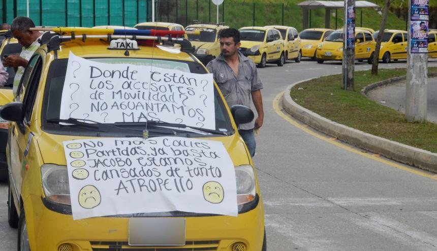Los taxistas piden que los trabajos de pavimentación no se hagan simultáneamente, tal como sucede hoy.