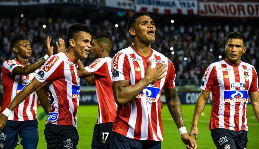 El zaguero cartagenero Rafael Pérez es vital con su fuerza y carácter en el trabajo defensivo de Junior.