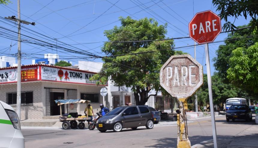 Panorama de un mediodía cualquiera en la esquina de la calle 74 con carrera 66, de La Concepción.
