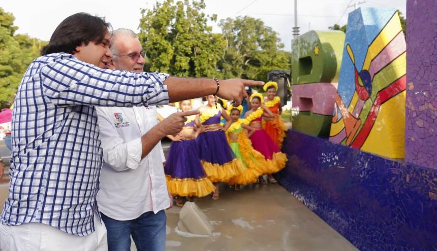 El alcalde de Baranoa, Lázaro Escalante y el gobernador del Atlántico, Eduardo Verano.
