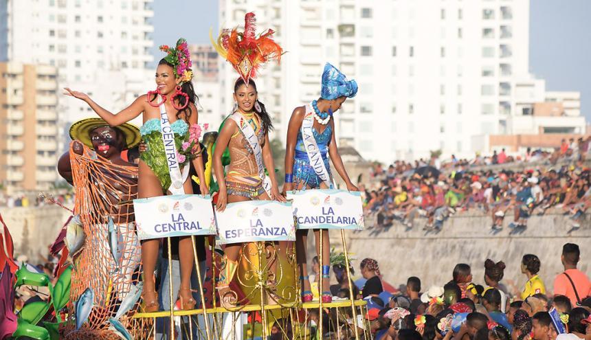 El Desfile de la Independencia abrió oficialmente la fiesta novembrina en Cartagena esta semana.