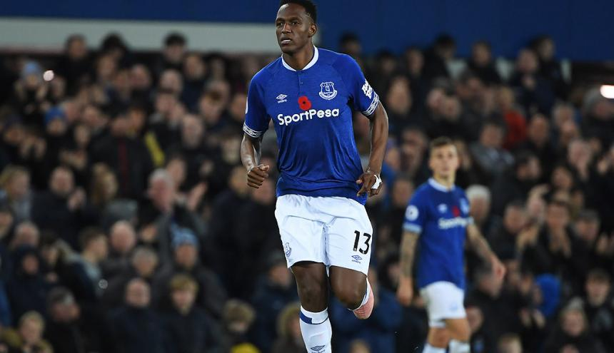 Yerry Mina fue protagonista ante el Chelsea.