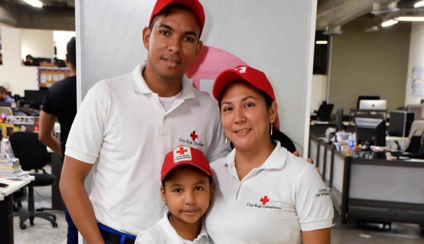 Gustavo Ramos, Masiel Meola e Ivana Ramos.