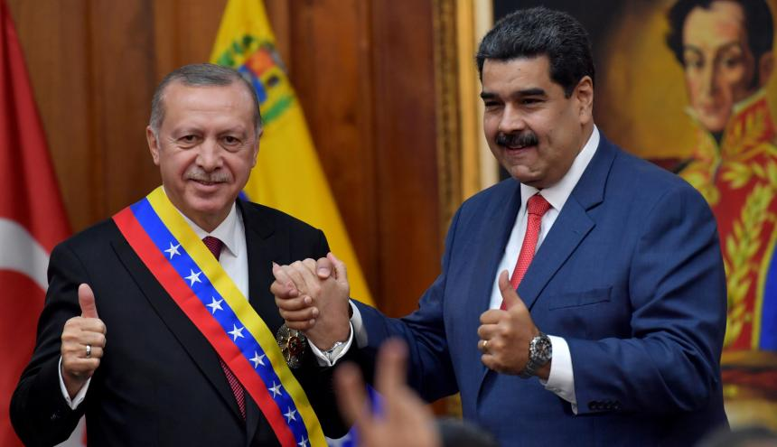 El presidente venezolano Nicolás Maduro con su homólogo turco, Recep Tayyip Erdogan.