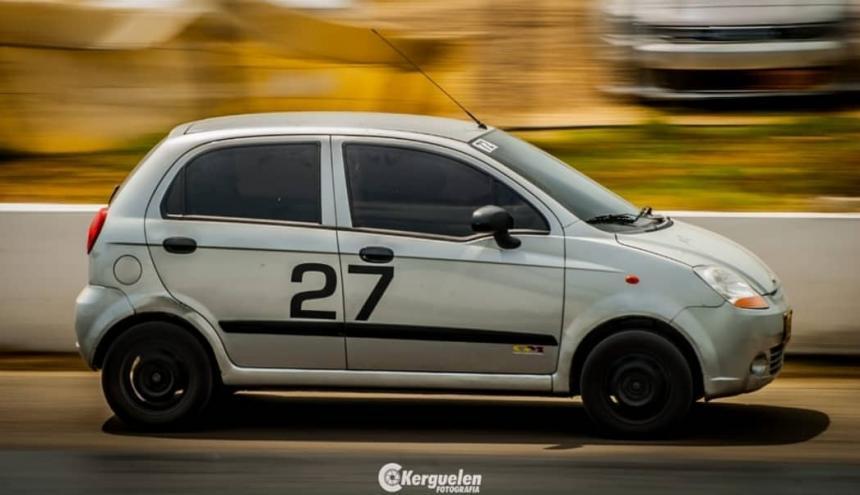 El Chevrolet Spark que conduce Ana Lina Conde.