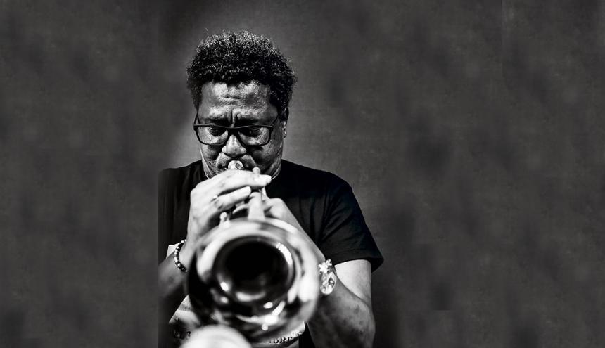 Rafael Gavilán Caña, conocido como Pachalo, es trompetista y nació en un pueblo de la provincia Granma llamado Yara.