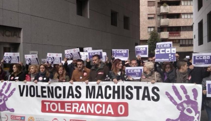 Feministas manifiestan en contra del partidoVox.