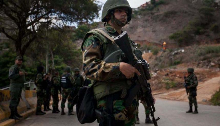 Un grupo antiexplosivos y guías caninos tienen como misión proteger Valledupar.
