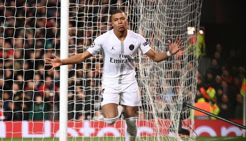 El francés Mbappé celebra su tanto ante el United.