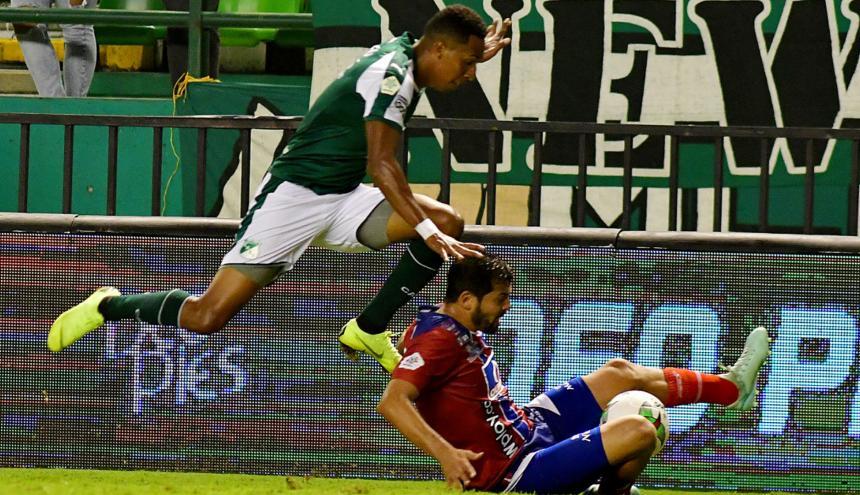 El defensor del Unión Magdalena, Fernando Batiste, estuvo comprometido en los dos goles del Deportivo Cali.