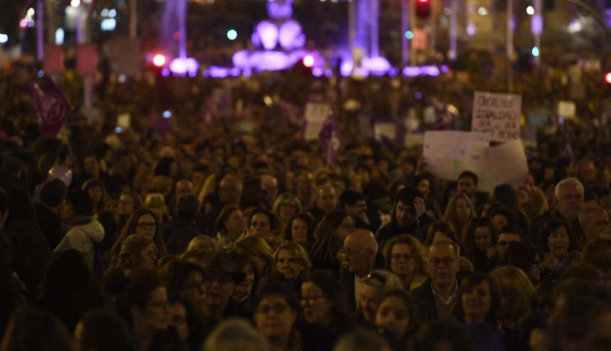 Sindicatos y asociaciones feministas en la plaza Cibeles en Madrid , durante huelga feminista del Día de la Mujer.