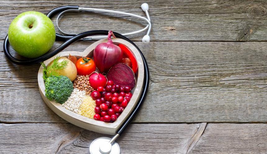El consumo de frutas, verduras y semillas ayuda a tener una buena digestión, lo que también proporciona felicidad.