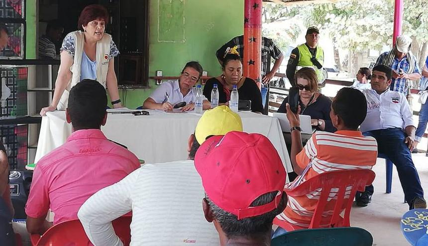 Aspecto de la reunión en  el municipio de Caimito.