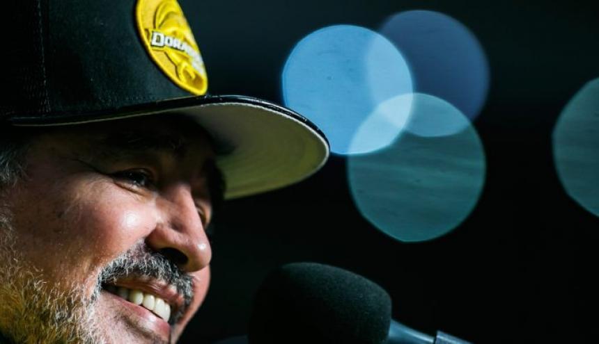 Maradona en la rueda de prensa tras el juego.