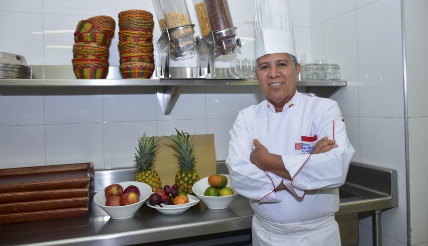 Para el Chef Aníbal Macías se debe volver a comprar en las plazas de mercado.