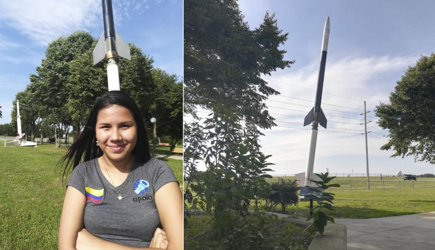 Nataly Solano, de 17 años, en la base Wallops de la Nasa, en Virginia y el Cohete FR6 que será lanzado este miércoles.